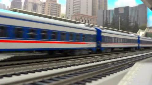 我的火车模型 —— DF11Z牵引25K列车进出马鞍山站 。