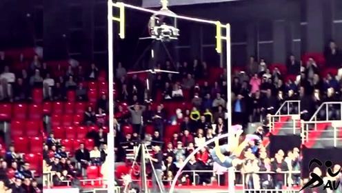 男子撑竿跳高世界纪录6.16米的慢镜头