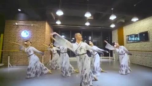古典舞《冰菊物语》孙科舞蹈工作室,旋转好评,倾国倾城!