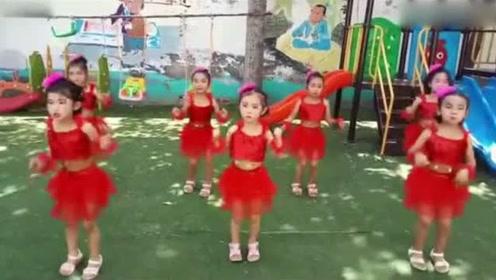 中班小朋友的舞蹈《宝贝宝贝》,纯真又可爱!