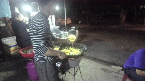 中国最经典的炒饭,走上了越南人的夜宵餐桌