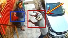 男子持枪打劫,下一秒剧情太戏剧化,估计劫匪都吓破胆了