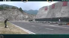 中国武警:战士拔枪转身子弹上膛,快速射击目标,仅三秒,真厉害