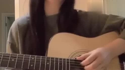 女孩弹唱《迪迦奥特曼》主题曲,好好听
