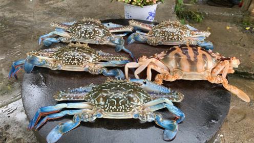 在农村,吃了几十年的螃蟹,头一次尝试这种吃法,真是高手在民间