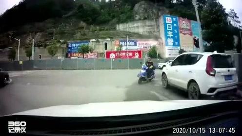 摩托车逆行,视频车无过错也没办法避免