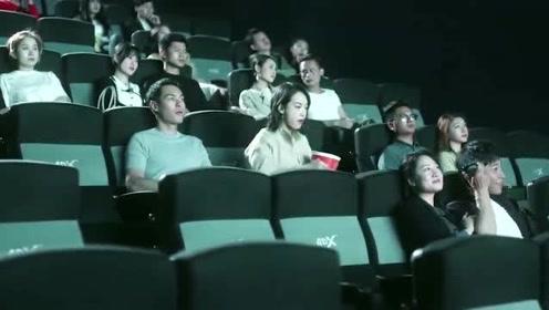 影视:女友电影院受欺负,总裁仅靠一只手就打的对方低头认错,男友力爆棚