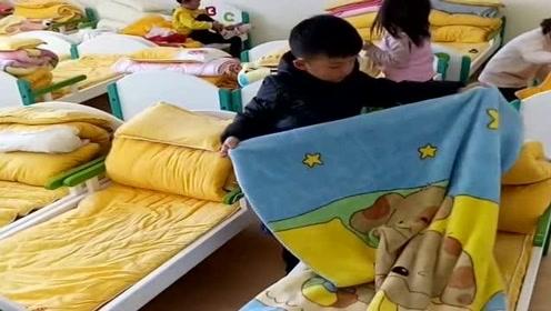 儿子第一天上幼儿园,老师就发来一段视频,让我感到非常自豪!