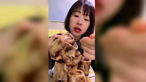 美食吃播:超大牛骨髓