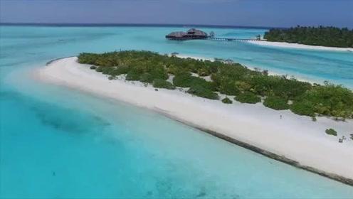 旅游纪录片:马尔代夫:沙滩,阳光,美女,简