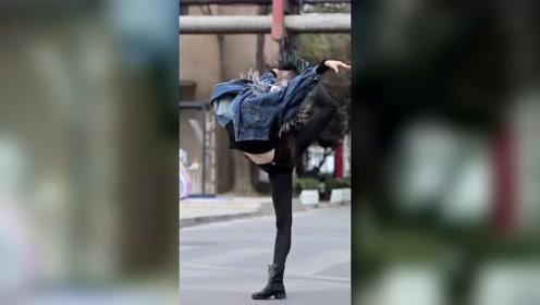 厉害了,舞蹈系的女生,大家想不想找这样子的