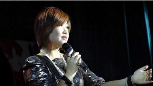 陈瑞一曲《没人心疼的玫瑰》好伤感,唱哭了多少痴情的女人,扎心