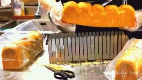 【韩国街头美食】炒鸡蛋培根吐司