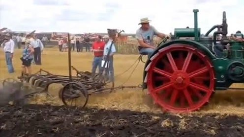 上百年的蒸汽轮机!太帅了!