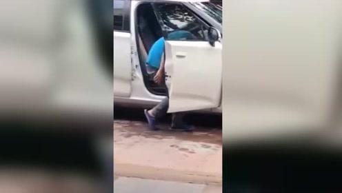 一个被洗车耽误了的灵魂舞者,这妖娆的身姿太魔性了