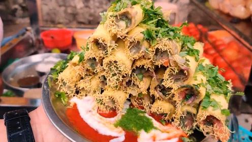 印度美食:街头小吃手指脆筒,蔬菜和咖喱塞进小脆筒,咬一口回味无穷