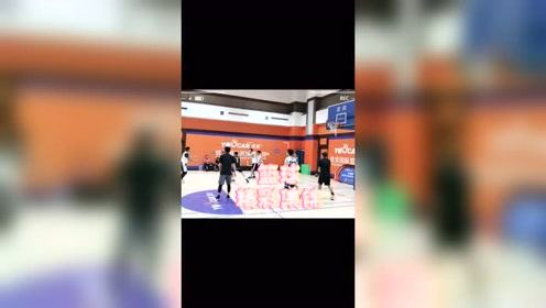 篮球风云队员 比赛精彩集锦