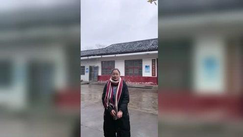终于看见雪啦,趁着还没停赶紧拍一个视频!