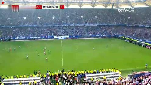 汉堡告别德甲,球迷们鼓掌谢意,感谢队伍这么多年的付出