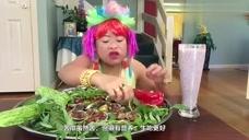 美食吃播:泰国大姐吃苦瓜配海鲜,苦瓜都吃出了甜瓜的味道