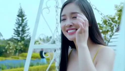 DJ歌曲《刚好爱上你》-曹艺馨