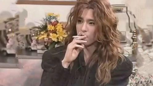 """他虽长着""""漫画脸"""",却是日本最传奇摇滚天才!格莱美唯一亚洲评委!"""