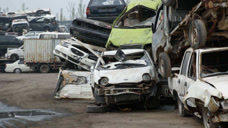 为什么车主宁愿把车当废铁丢掉,也不去车管所报废换钱呢?