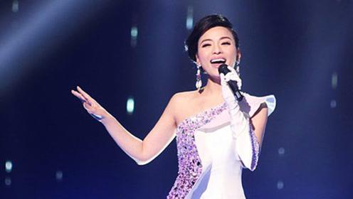 陈思思演唱终于等到了,她唱的这个现场版歌曲