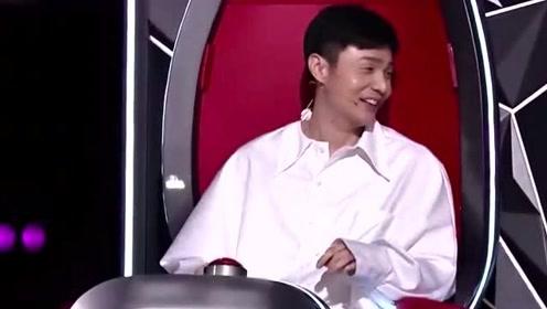 美女参加好声音一口满满的怪音,李荣浩没听几句就转身,注定是冠军!