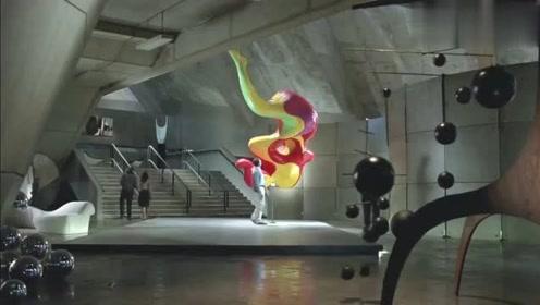 搞笑创意广告-为了一颗糖豆,毁掉了艺术大师的