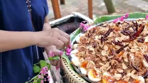 泰国街头特色美食,大厨一次性烹饪许多的鸭蛋,你觉得有食欲吗!