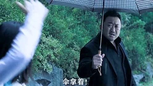 男主给了女孩一把伞,结果在电视上看见女孩被害,男主为了伸张正义去坐牢!