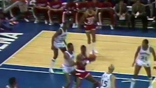 1984年的今天奥拉朱旺NBA首秀砍24分9篮板助火箭赢得开门红