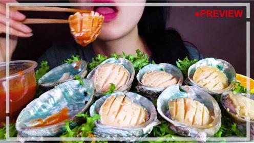 生吃鲍鱼没有辣酱还能吃下去吗?