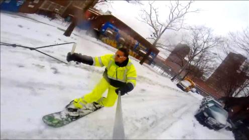 汽车拉拽滑雪 边滑边自拍