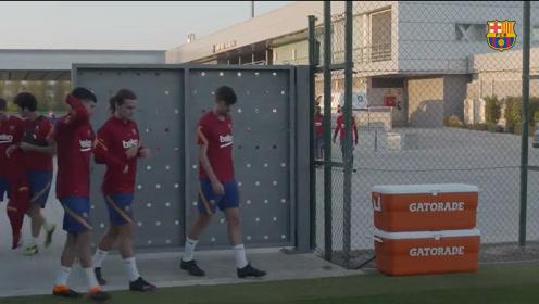 格列茨曼等球星从国家队悉数归队 来看看巴萨今天最新训练