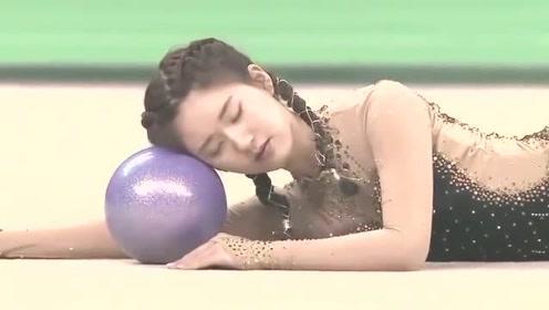 赵露思身材到底有多好?看她穿上艺术体操服就知道,美得不像话!