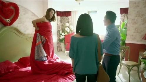妹子在男友卧室里发现女人,要出事,下一个举动太霸气