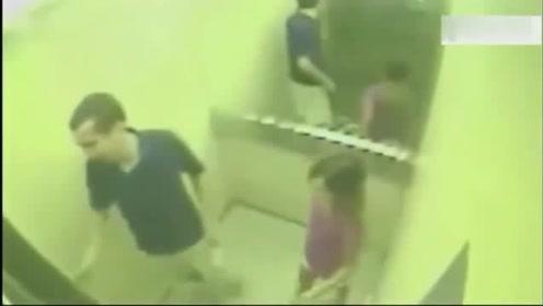 父女俩乘电梯回家,突然祸从天降,再想跑时还来得及吗