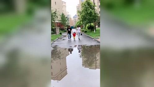 这个视频充分说明了什么叫做,爸妈是真爱,孩子是意外!