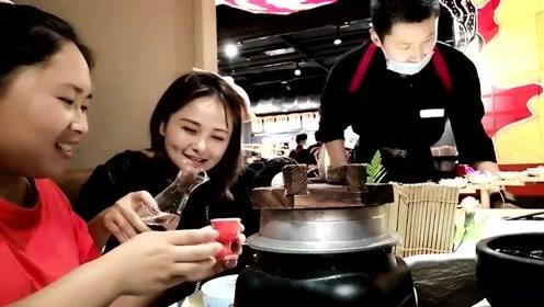 摄影师不在家,胖妹和闺蜜出远门,为了啥美食?跑到大上海去蹭饭