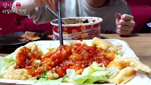 【Hamzy小姐姐的美食】:在家点外卖,炸酱面和干烧虾,就是这个味道!