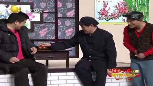 小品《就差钱》:刘小光跟赵本山玩心眼借钱,