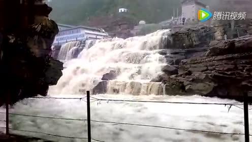 The eighth grade Chinese Vol.17 Hukou Waterfall (Liang Heng)