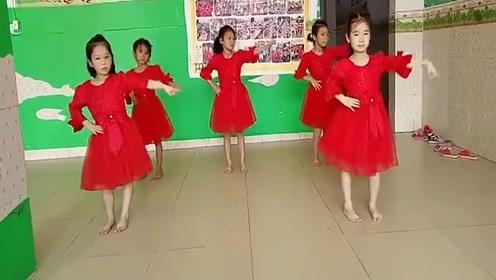 幼儿园舞蹈《感觉自己萌萌哒》舞蹈视频