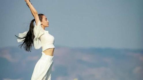 零基础瑜伽教程:专业老师教你学习—经络瑜伽,在家也能轻松学瑜伽