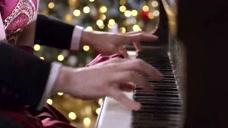 公主大对换:王子弹钢琴魅力四射,连假公主都被迷住了