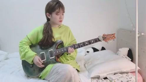 小姐姐电吉他翻弹《Faded》,音乐响起瞬间爱上