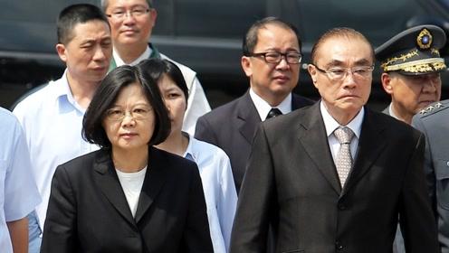 过去4年来,撕裂台湾社会、激化台海冲突的正是