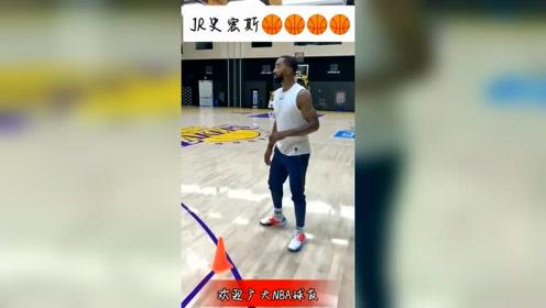 篮球:JR史密斯